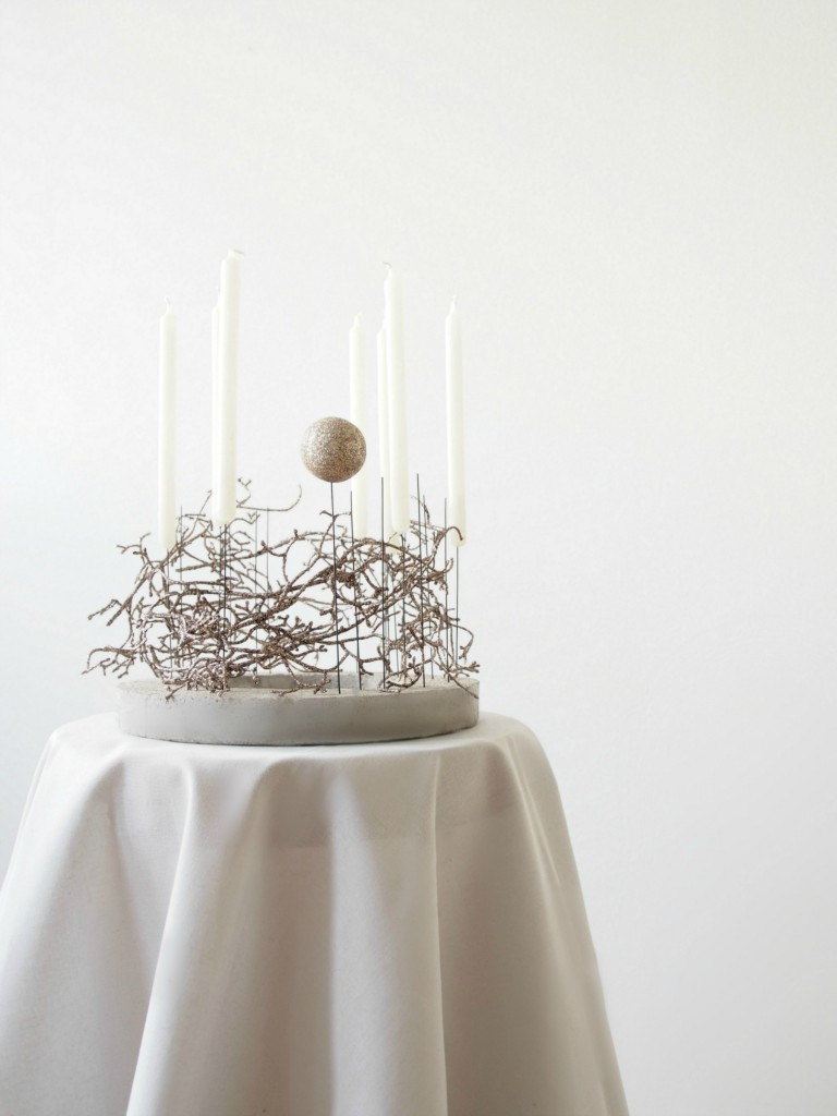 Christmas_decoration_concrete