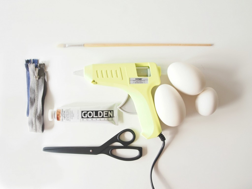 DIY-Zipper-Easter-Eggs-supplies