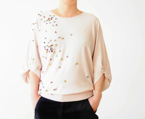 Make-a-Chanel-Inspired-Top-with-Studs-tutorial