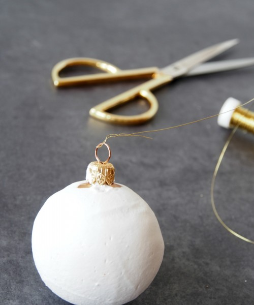 DIY Faux Ceramic Christmas Baubles