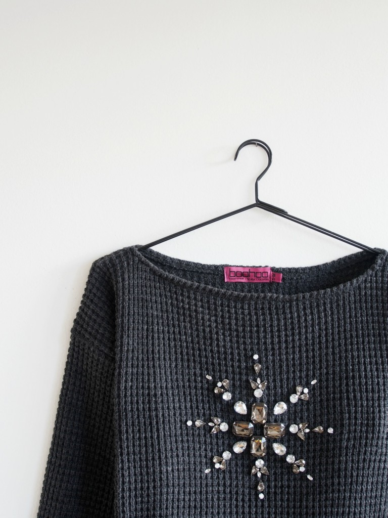 DIY-Mandala-Embellished-Christmas-Sweater
